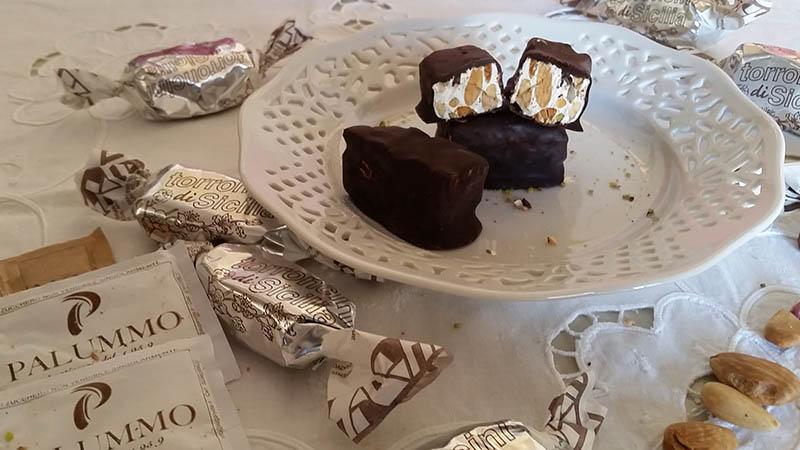 Torroncini Siciliani al Cioccolato