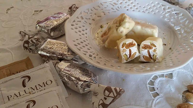 Torroncini Siciliani al cioccolato Bianco